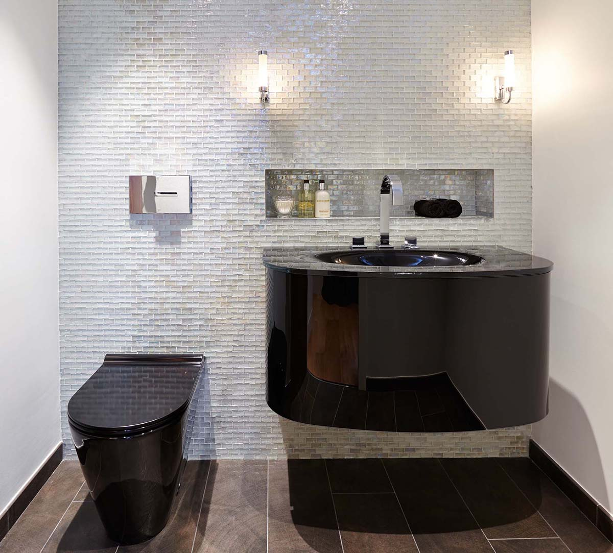SBID Design Excellence Awards Finalist Powder Room