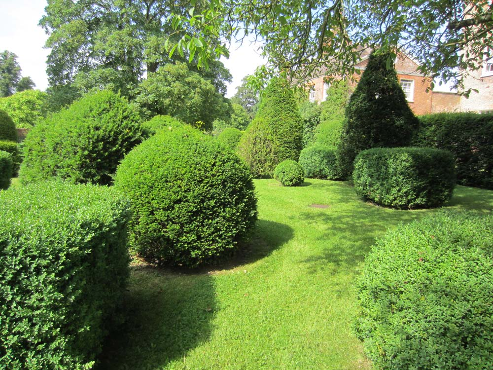 benchmark day garden design 3