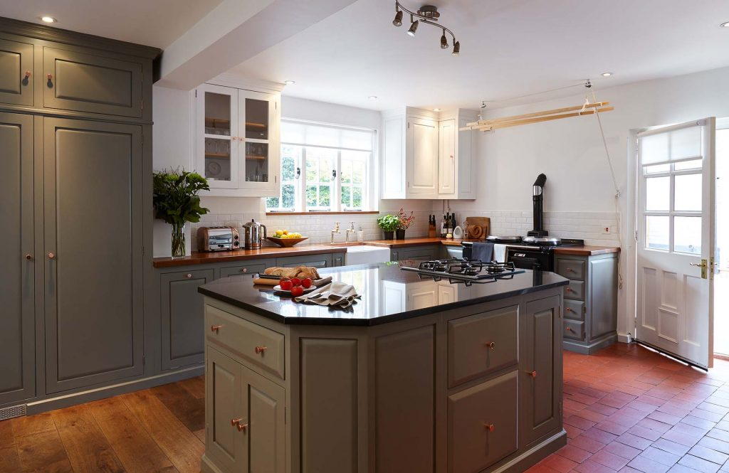 Kitchen Island Layout in Winchester Hampshire