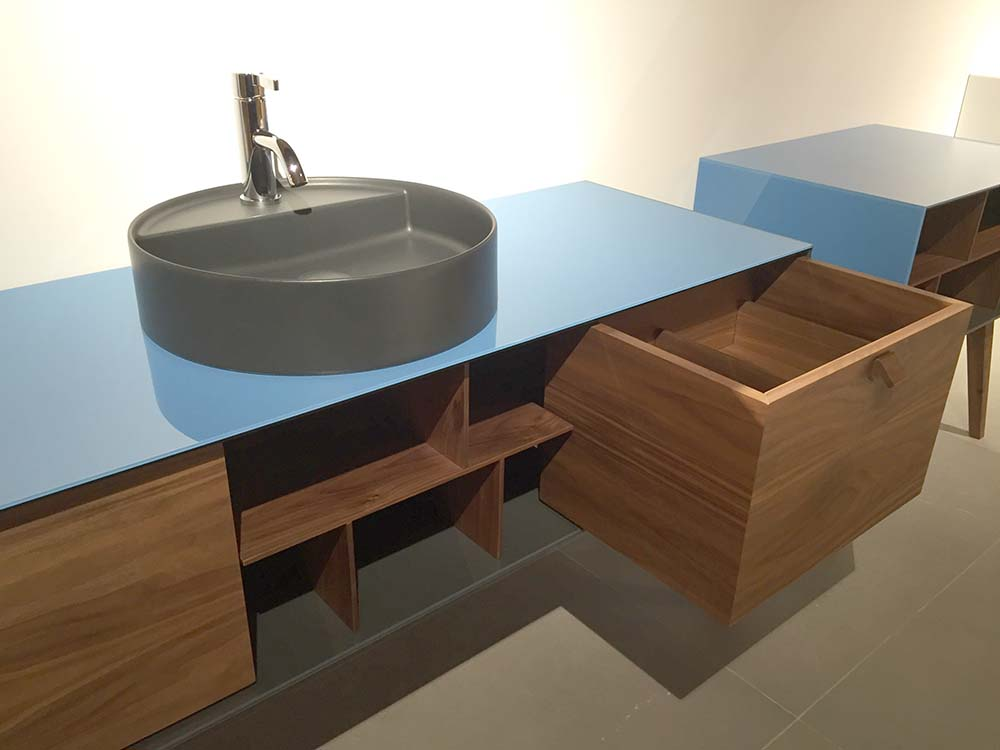 artelinea dama washstand at cphart london 2